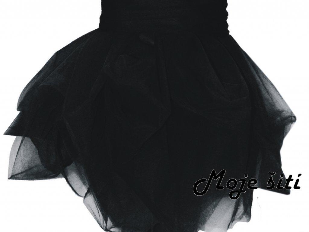černý tyl