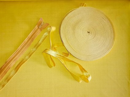 jarní softshell hořčicový (3)