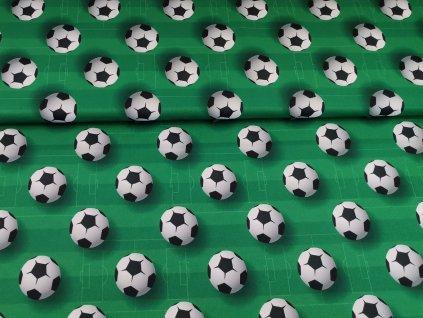 Míče na fotbalovém hřišti (2)