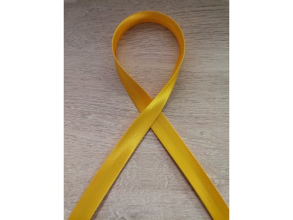 Šikmý proužek saténový 18 mm jasně žlutý
