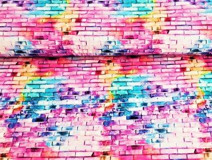 Barevná cihlová stěna