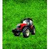 červený traktor na trávě 50x55