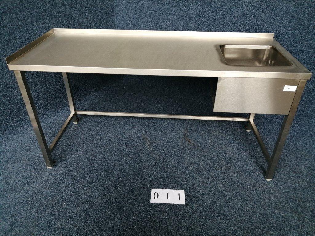 Pracovní stůl s dřezem vpravo,rozměr 1800x700x900mm výška  NOVÝ