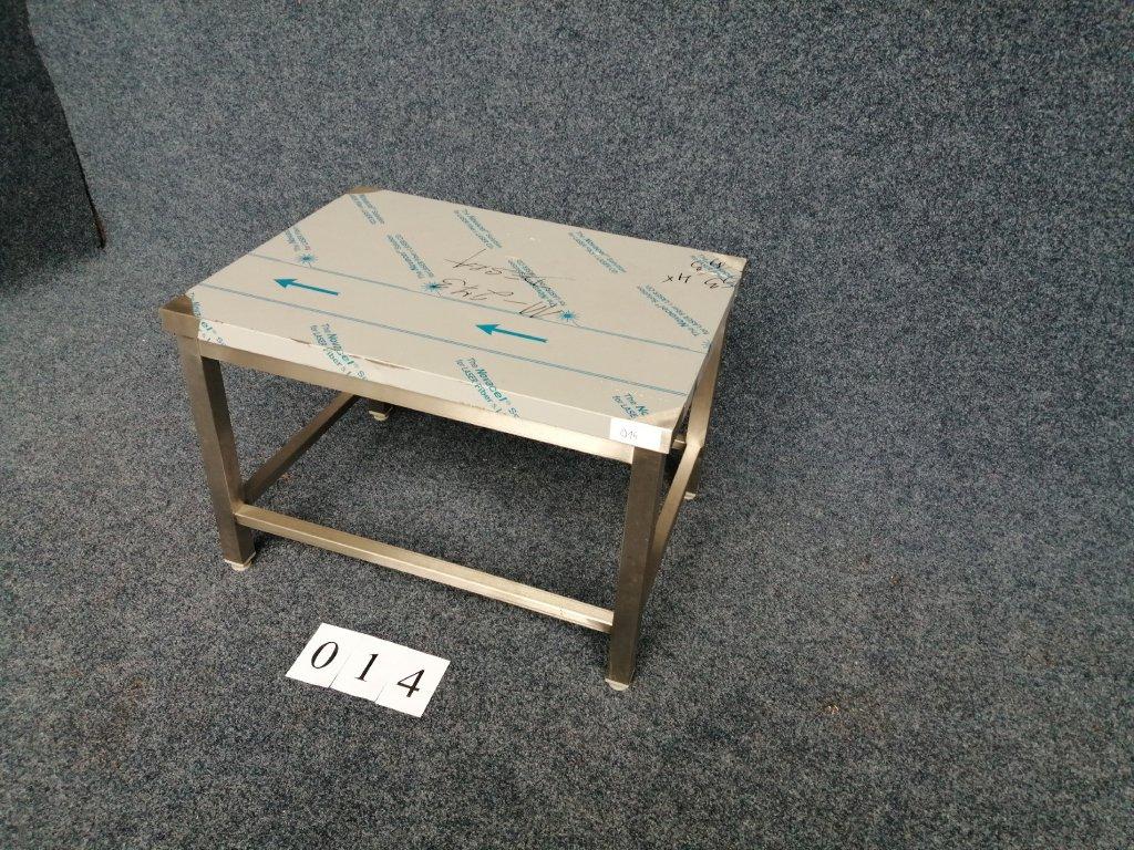 Stolička s trnoží,rozměr 800x600x550mm  NOVÁ