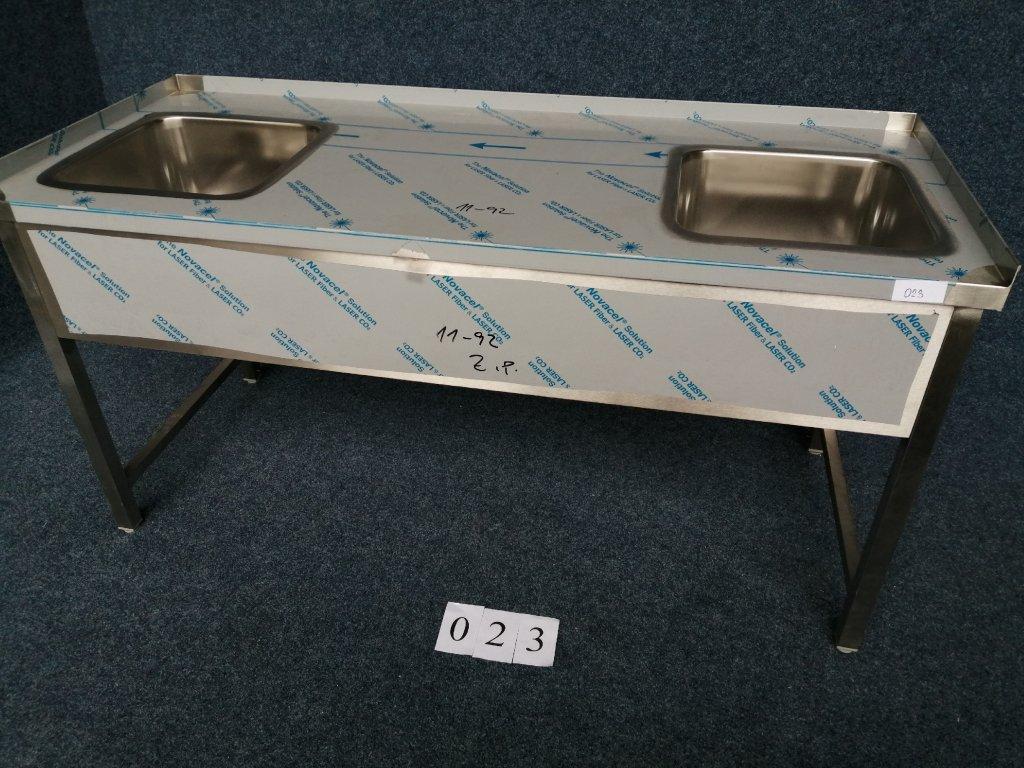 Pracovní stůl se dvěma dřezy, rozměr 1700x700x850mm, NOVÝ