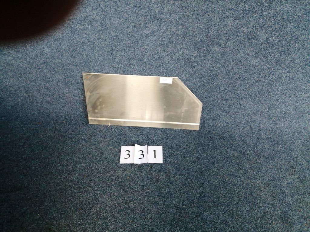 Hygienické oddělení stolů, rotzmě 700x350