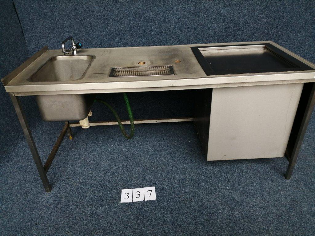 Výčepní stůl s dřezem, rozměr 1860x750x900mm