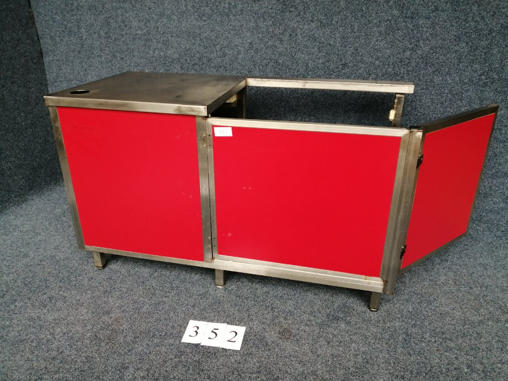 Pokladní box s dveřmi vzadu, 1470x680x900mm