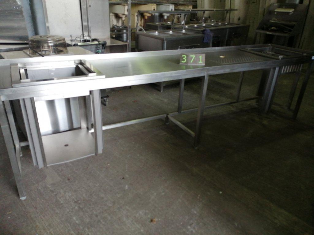Nápojový stůl s odkapem, rozměr 3410x700x900mm