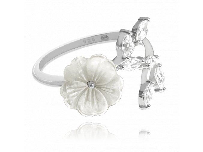 Bílý rozkvetlý stříbrný prsten MINET FLOWERS se zirkony vel. 52
