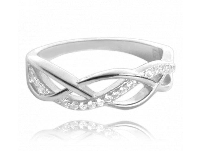 Stříbrný propletený prsten MINET s bílými zirkony vel. 55