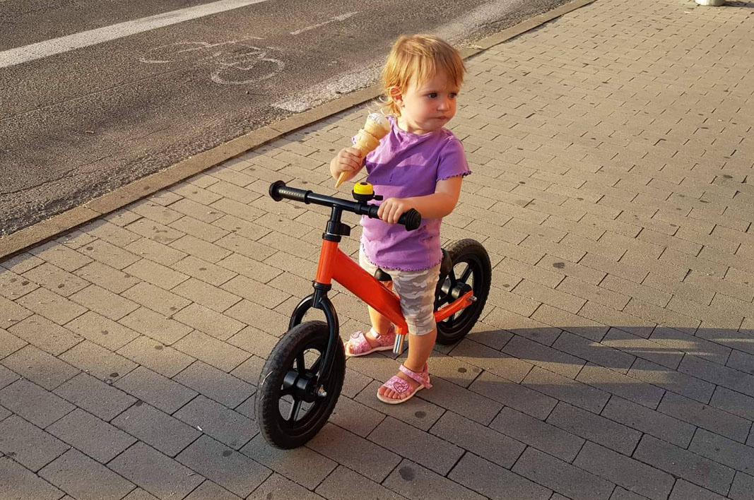 Ako naučiť dieťa používať odrážadlo rýchlo a jednoducho?