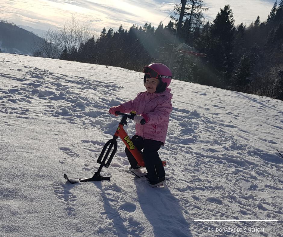 V zimě zábava nekončí - přezujte odrážedlo na lyže