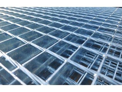 Podlahový oceľový rošt SP/34x38/30x3/1000x1000, Zn