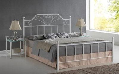 Manželská posteľ – kov, drevo či čalúnenie?
