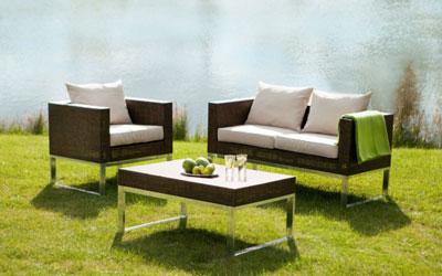 Ratanový nábytok – ten správny tip na záhradné sedenie