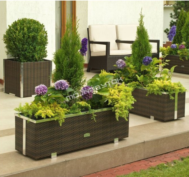 Záhradné kvetináče: Dokonalý doplnok oživí každú terasu i balkón