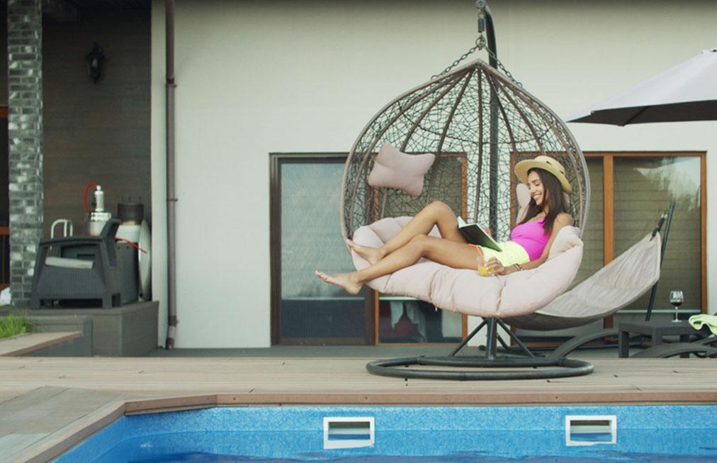 Záhradné hojdačky pre dokonalý oddych: Aká sa hodí k vám domov?