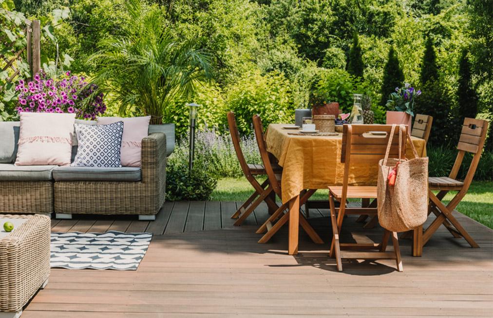 Záhradný nábytok do domu či na chalupu