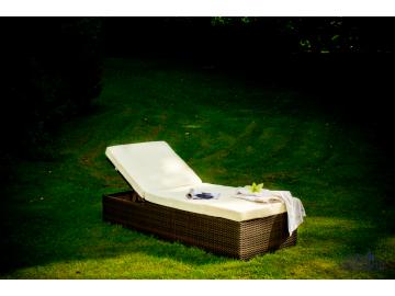 Záhradné ratanové lehátko Esigente