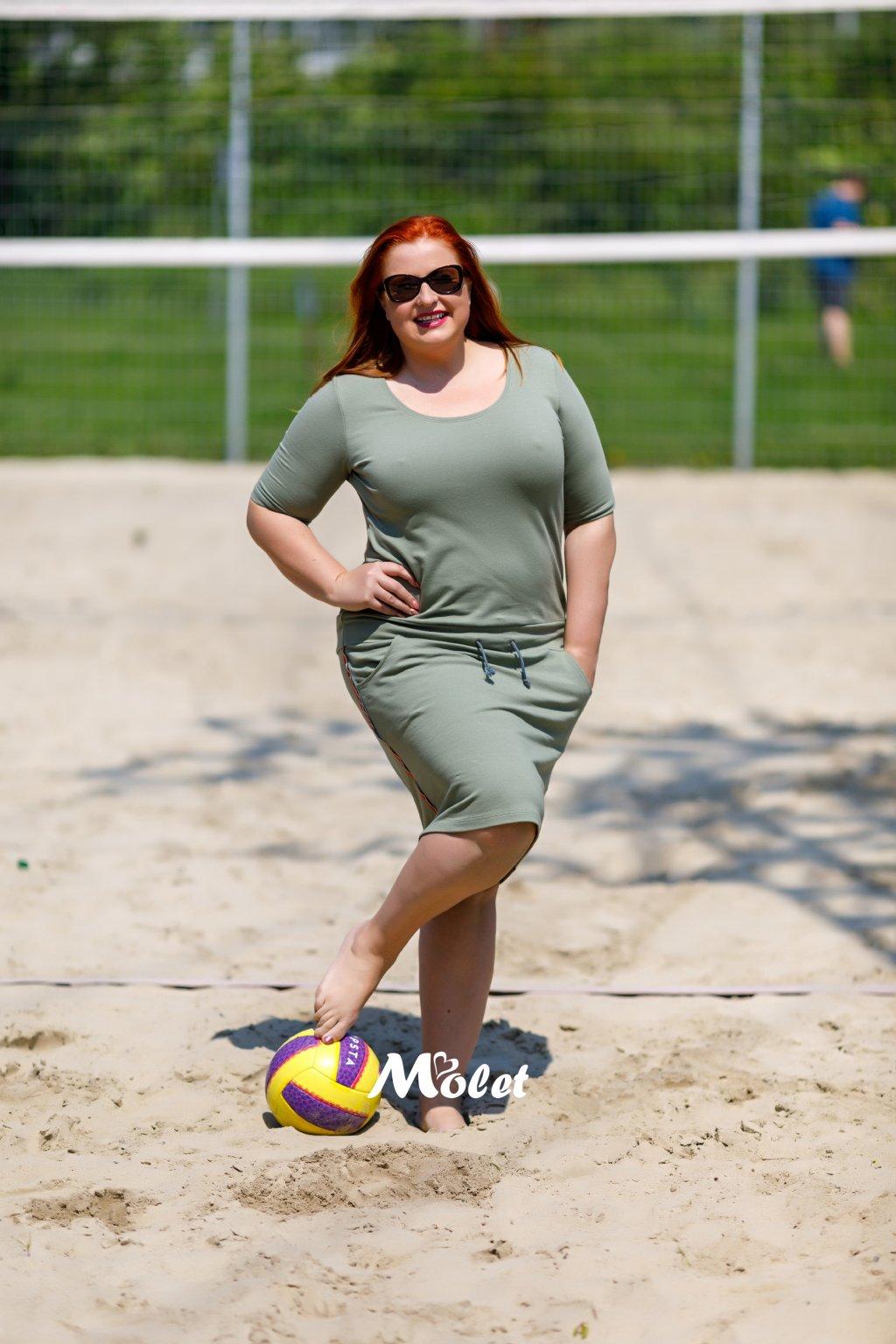Mili krátké sportovní šaty s krátkým rukávem