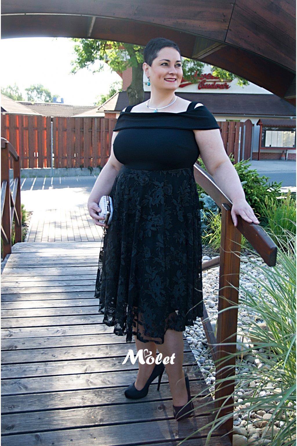 Lavish černé šaty s krajkovou sukní