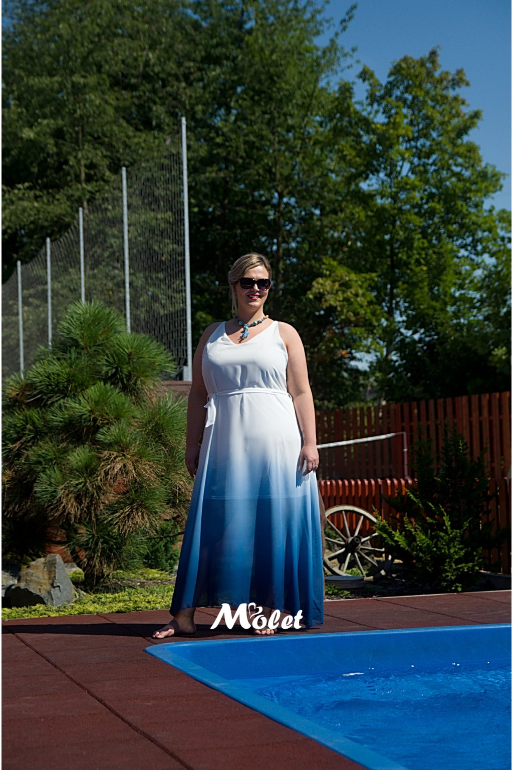 Taboo modrobílé šaty