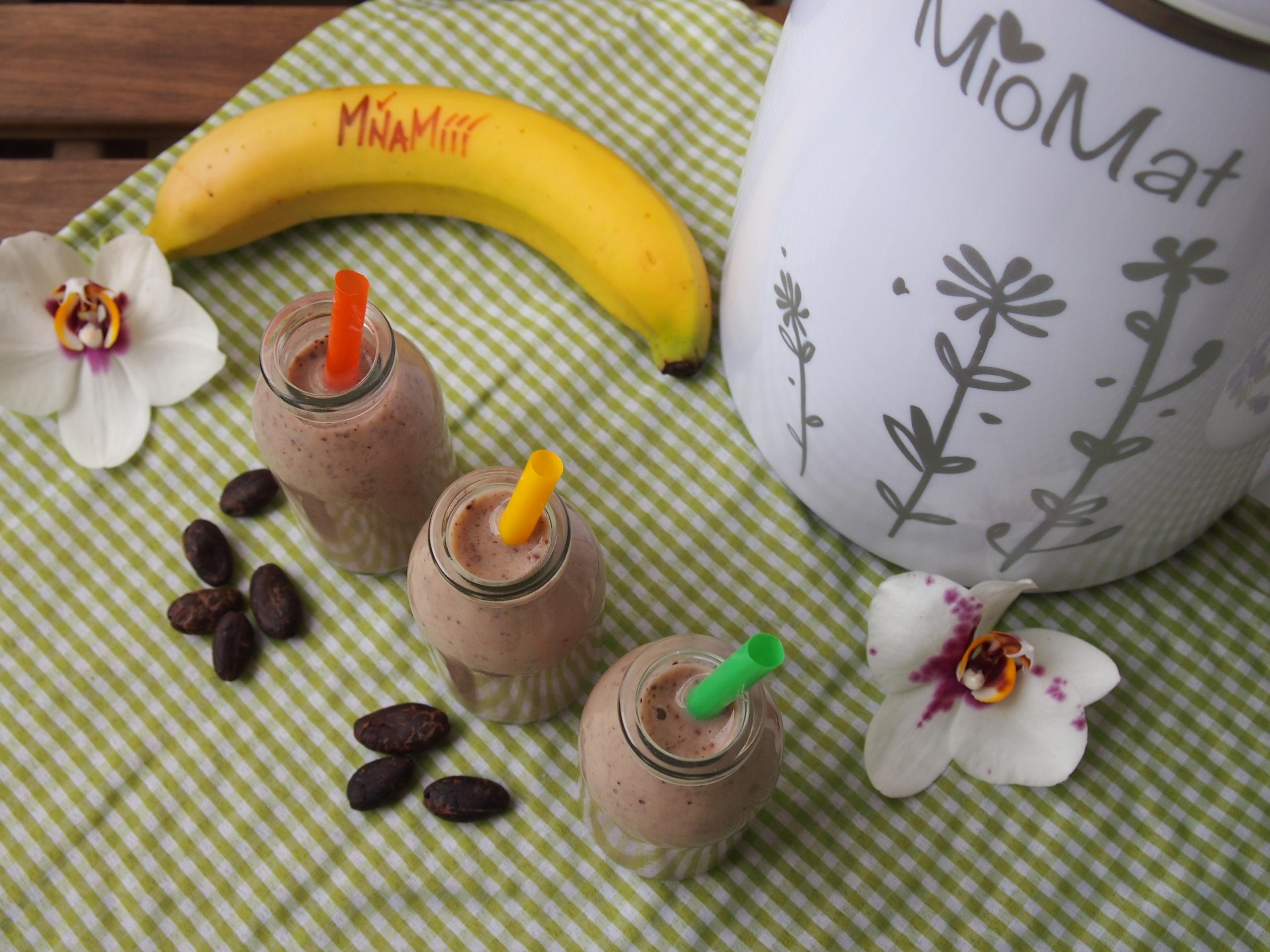 Smoothie - banán-kakaové boby