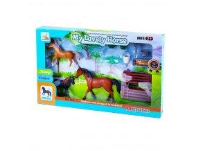 Dětská sada kůň s rodinou a příslušenstvím