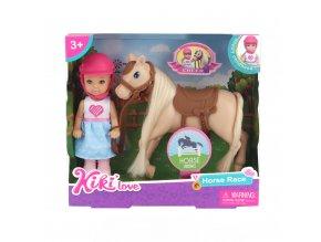 Panenka Kiki s koněm