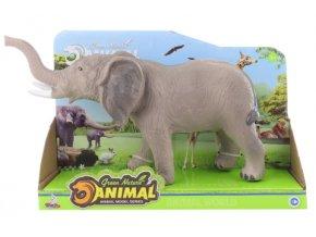 Slon na baterie se zvukem