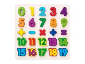 Dřevěné puzzle číslice na desce