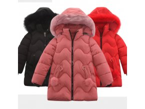 Dívčí zateplený zimní kabát s bambulkami na kapsách