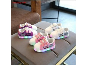 2018 New cartoon girls LED lighted princess baby shoes casual glowing flat sneakers kids children casual 1