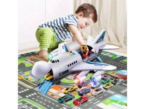 Velké letadlo s autíčky a hrací plochou