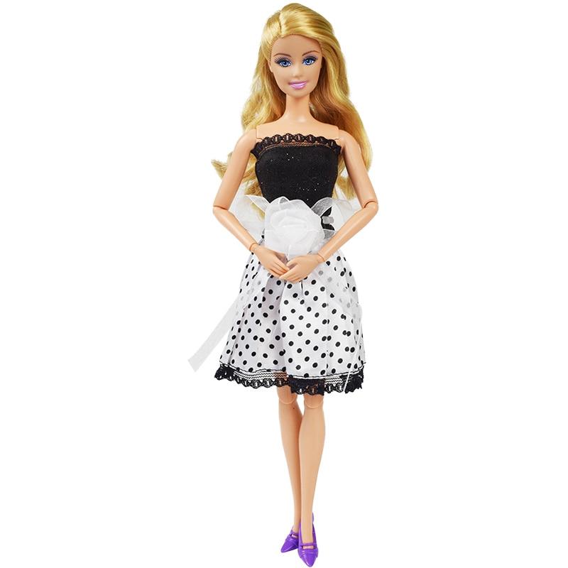 Party oblečení pro Barbie Vzor  Černo-bílé šaty s bílou kytkou 746deda3a4