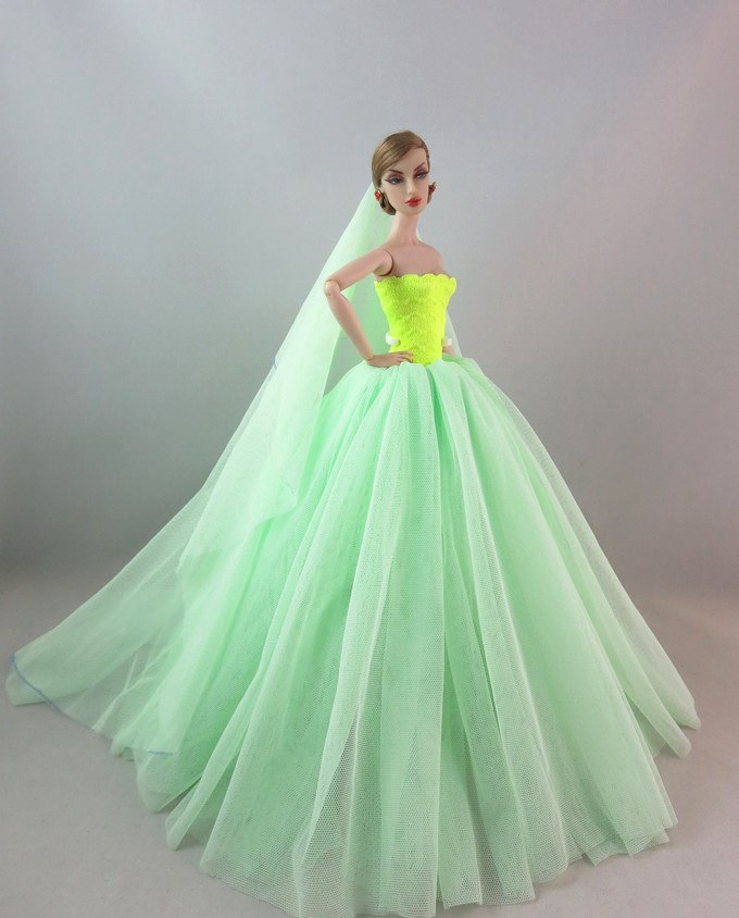 """Dlouhé svatební šaty se závojem """"různé barvy"""" Motiv: zeleno-žluté"""