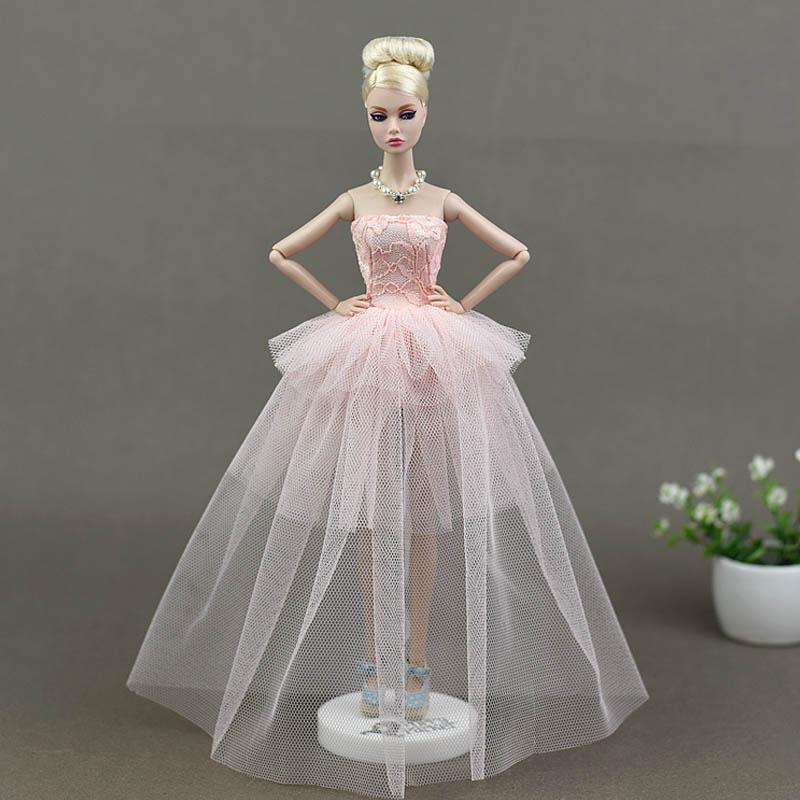 Dlouhé noblesní svatební/večerní šaty Motiv: sv. růžové krajkové