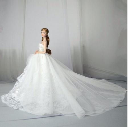 Dlouhé noblesní svatební/večerní šaty Motiv: bílé šaty