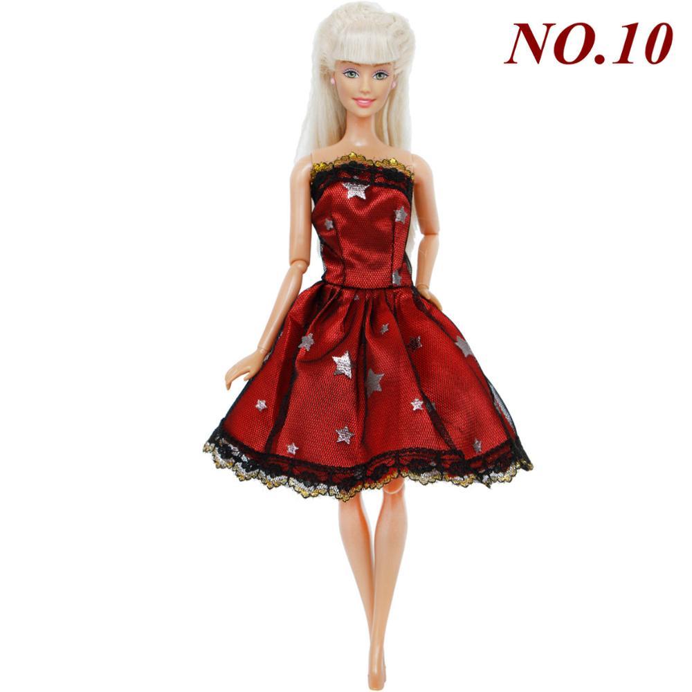 71058e8f9b40 Ručně šité šaty pro Barbie Motiv  vínové s hvězdami