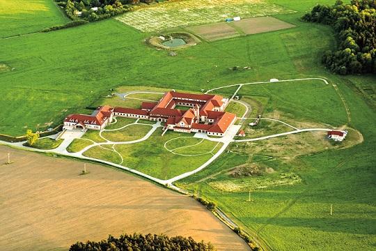 O klášterech - ženský trapistický klášter v Poličanech
