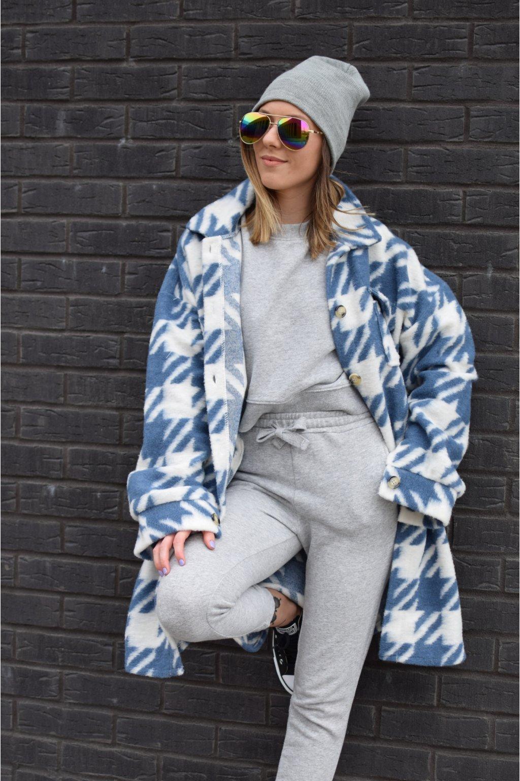 Modrý kabát EMA
