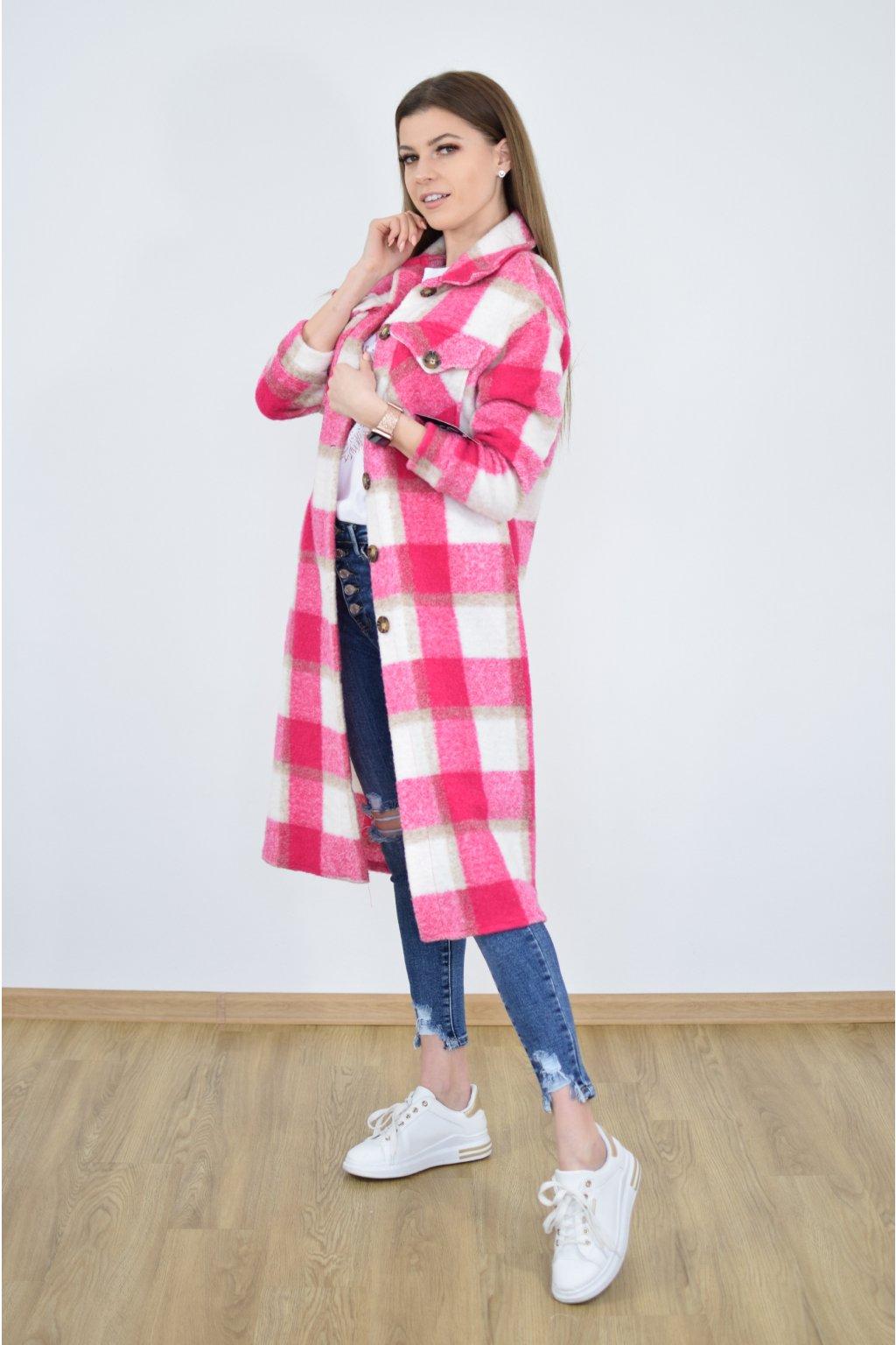 Růžový kabát SIA
