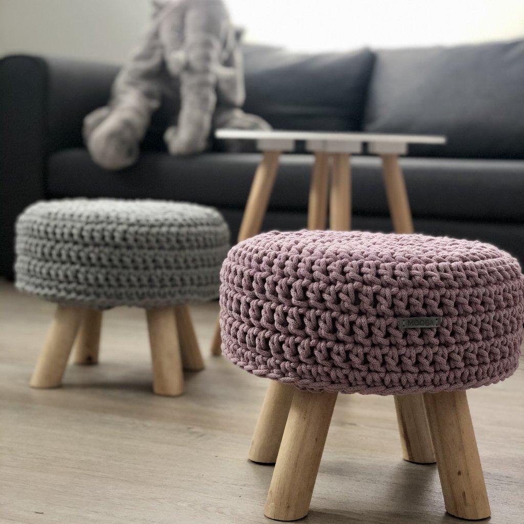 Háčkovaná stolička - nízká, barva STARORŮŽOVÁ, ŠEDÁ (STŘÍBRNÁ)
