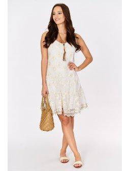 koronkowa sukienka z naszyjnikiem (1)
