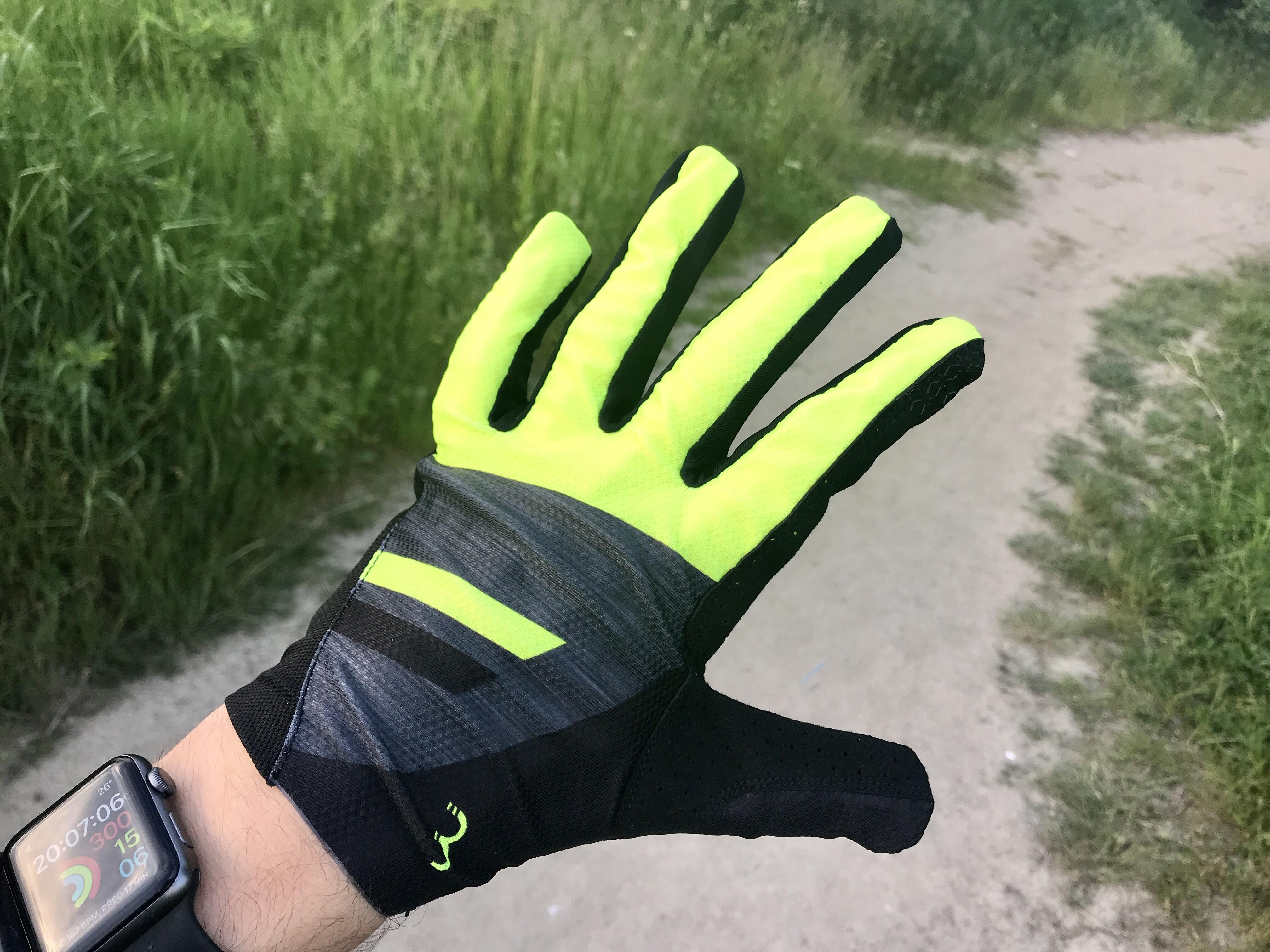 RECENZE: MTB rukavice BBB BBW-54 sází na jednoduchost