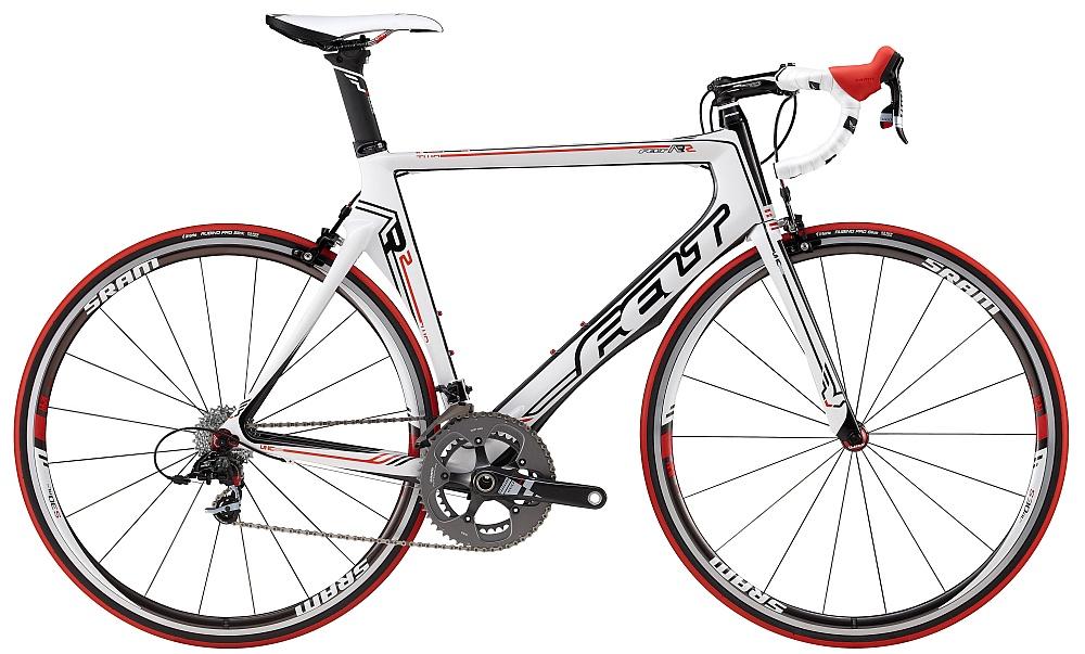 Silniční kolo Felt AR 2 2012 + cyklovýbava za 800 Kč zdarma bílá, 56 cm