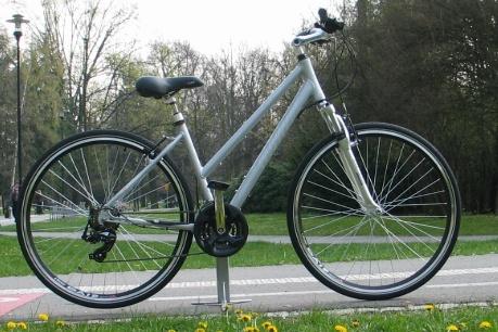 """Dámské trekové kolo Thomus Dreambike + cyklovýbava za 800 Kč zdarma modrá, 18"""", 45 cm"""