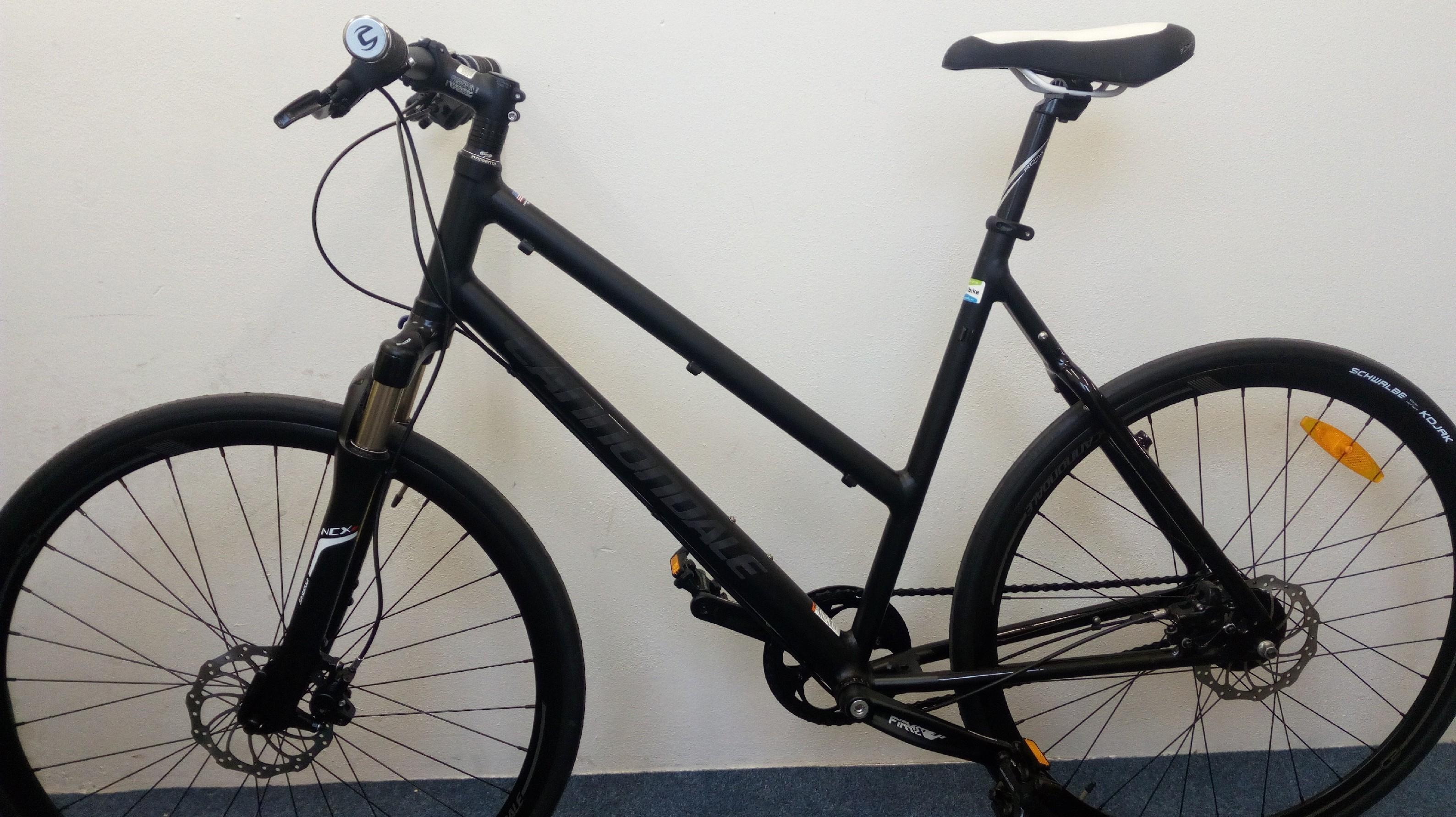 Dámské trekové kolo Cannondale Quick Lady 56 cm + cyklovýbava BSB-51 za 799 Kč zdarma