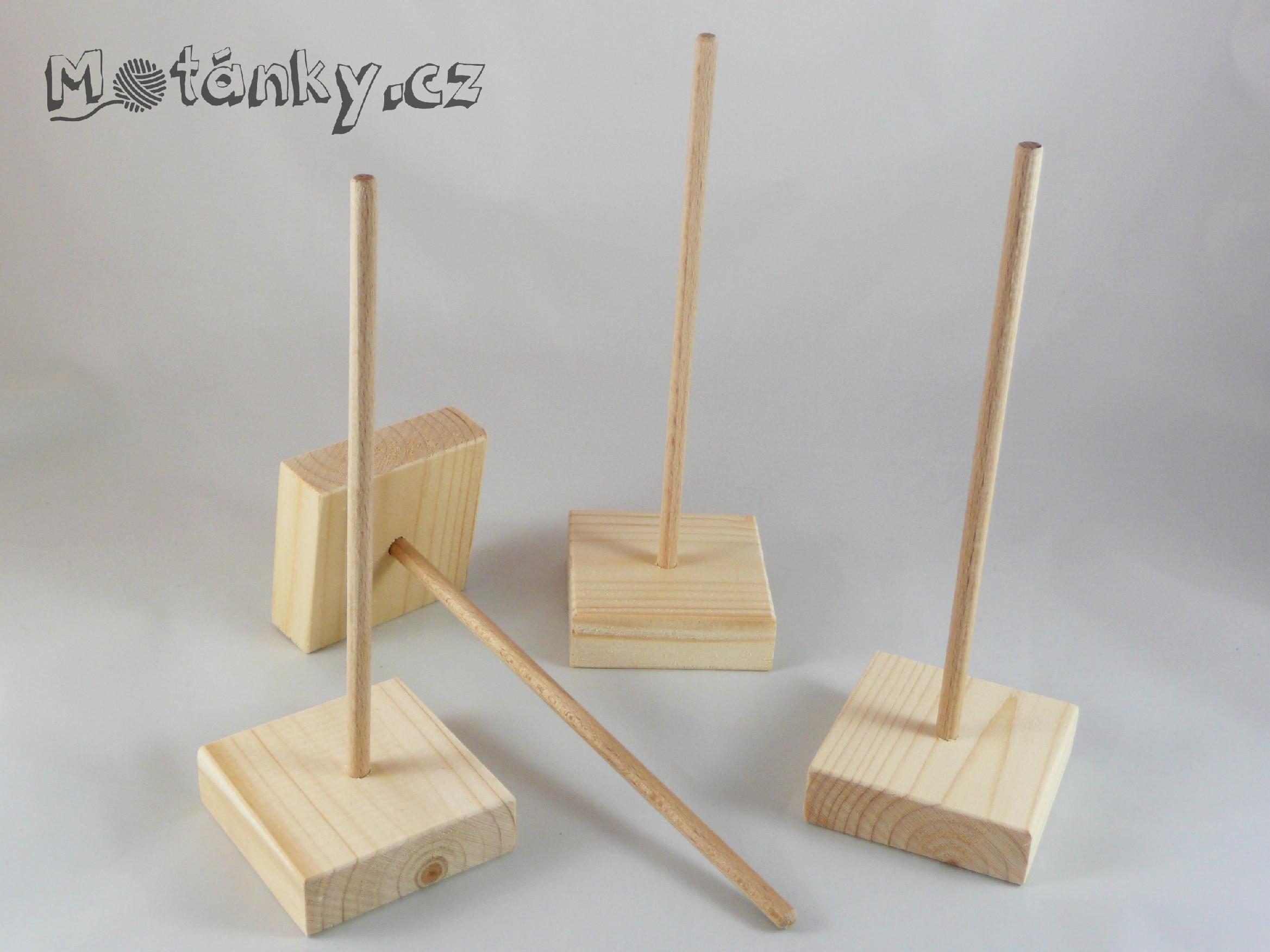 Dřevěné stojánky